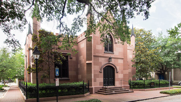 Fun things to do in Savannah : Unitarian Universalist Church in Savannah GA.