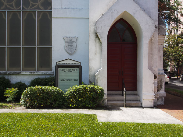 Fun things to do in Savannah : First Congregational Church in Savannah GA.