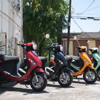 Fun things to do in Savannah : Motorini (Vespa Scooter Rental) in Savannah GA.