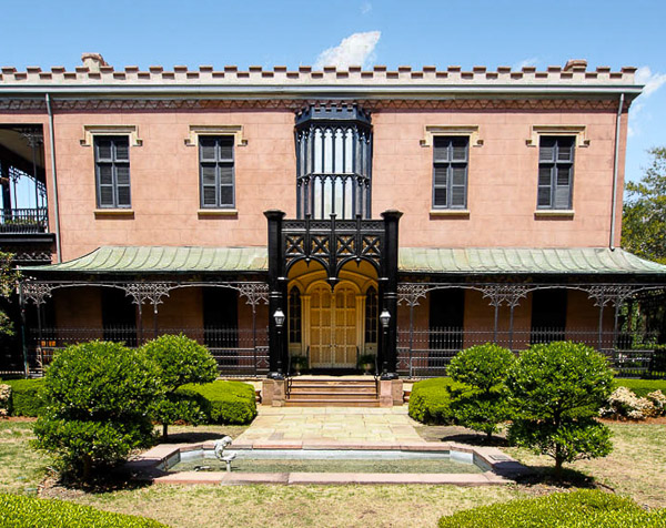 Fun things to do in Savannah : Green-Meldrim House in Savannah GA.