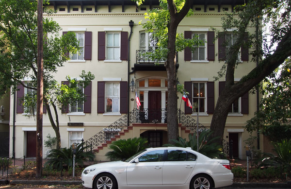Fun things to do in Savannah : Eliza Thompson House (circa 1846) in Savannah GA.