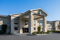 Fun things to do in Savannah : Quality Inn & Suites Savannah North in Port Wentworth GA.