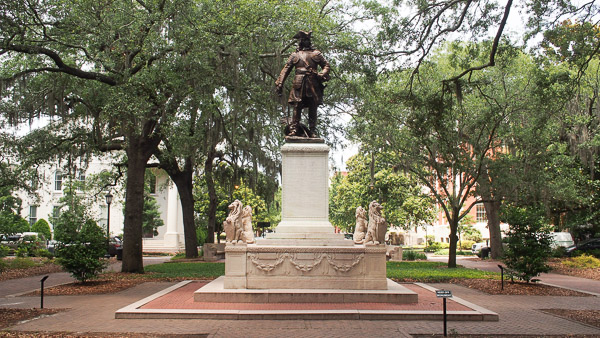 Fun things to do in Savannah : Monument to James Oglethorpe in Savannah GA.
