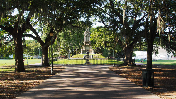 Fun things to do in Savannah : Confederate Monument in Forsyth Park.