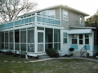 Fun things to do in Savannah : Blue Dog Bungalow in Tybee Island GA.