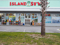 Fun things to do in Savannah : Island Style in Tybee Island GA.