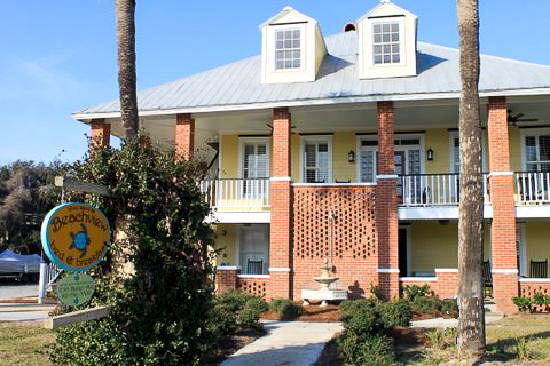 Fun things to do in Savannah : Beachview Bed & Breakfast in Tybee Island GA.